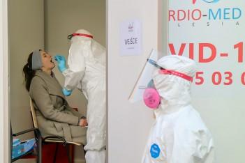 Śląskie wspiera ośrodki pomocy społecznej w walce z Covid-19