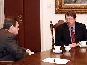 Marszałek Michał Czarski w rozmowie z Wiceministrem Skarbu Tadeuszem Soroką.