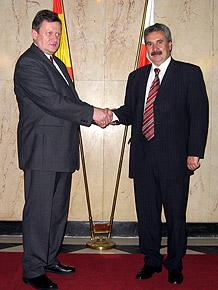 Od lewej marszałek Michał Czarski i minister Graciano Torre González