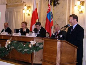 Minister Marek Pol przedstawia plany rozwoju połączeń komunikacyjnych między Polską a Słowacją